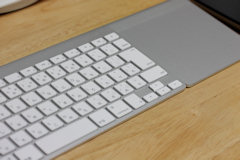 [挿絵] Apple Wireless Keyboard & Apple Magic Trackpad
